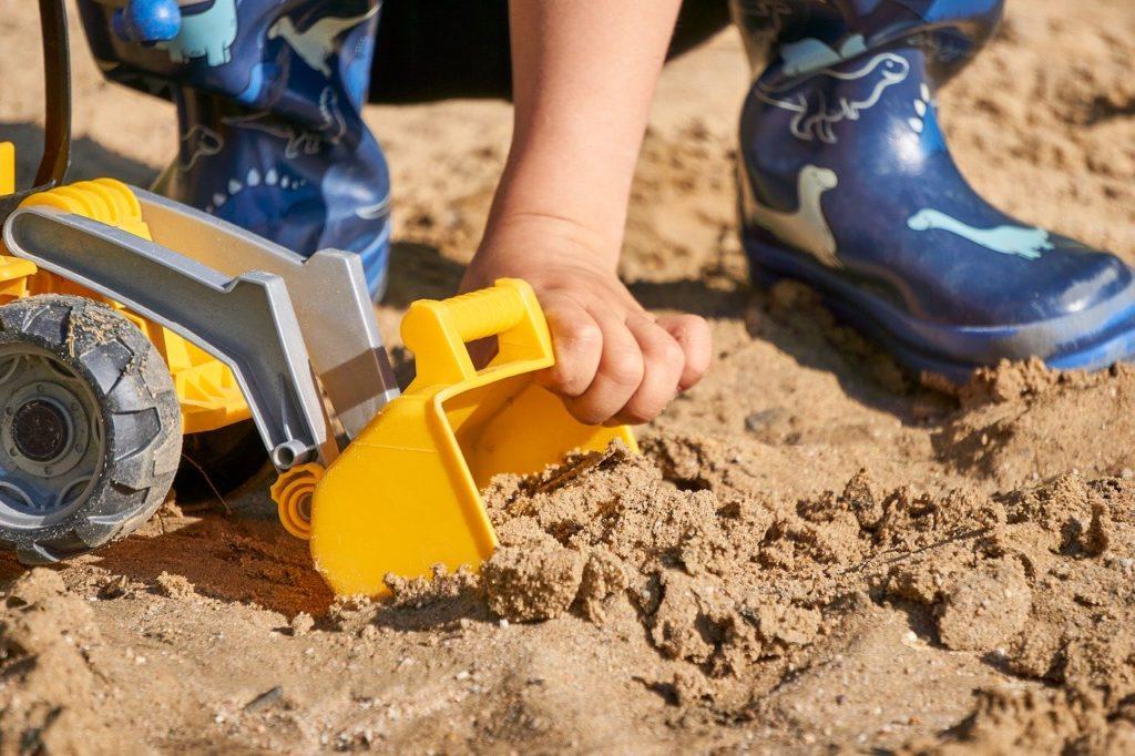 Bygge sandkasse selv, byg din egen sandkasse til haven og børnen